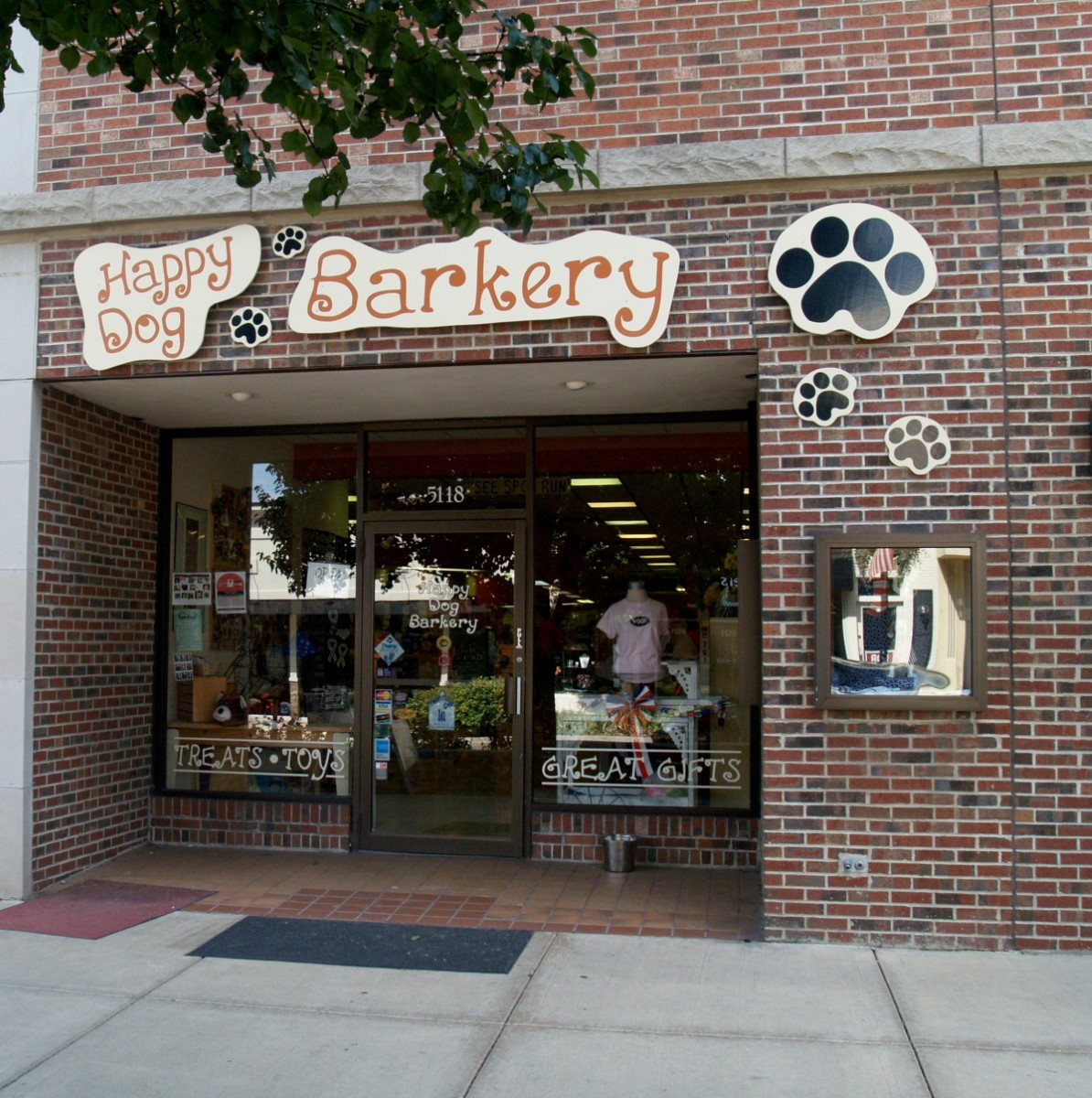 Happy Dog Barkery - Downers Grove, IL - Pet Supplies - photo#36