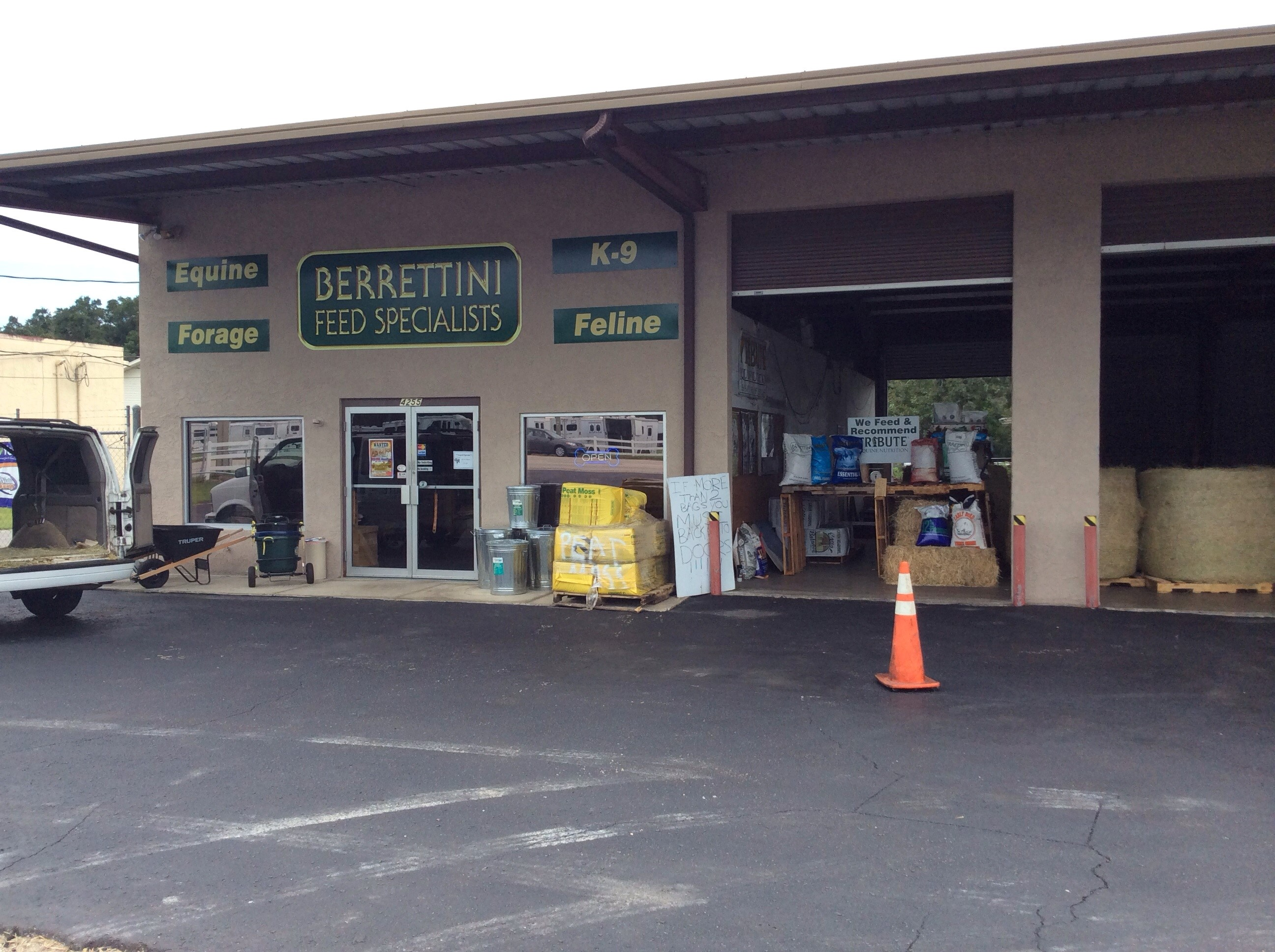 Pet Supermarket Leesburg FL locations, hours, phone number, map and driving directions.