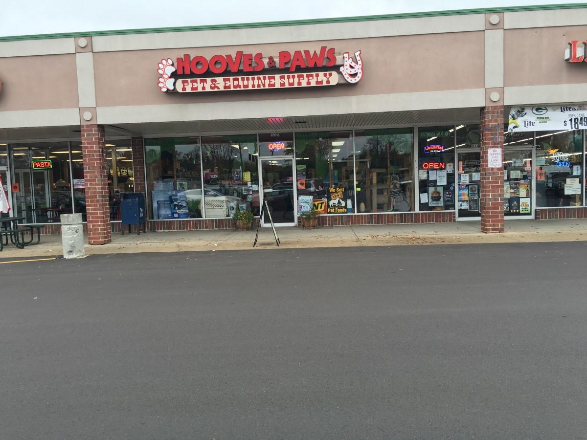 Dog Food Stores In Oconomowoc