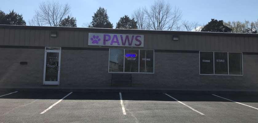 Paws Pet Salon & Day Camp